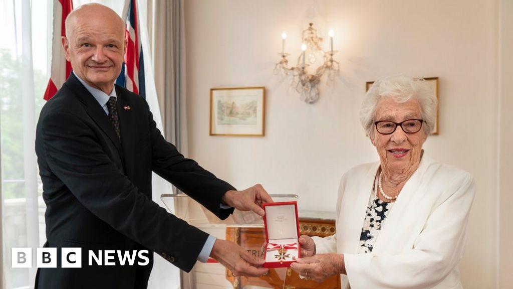 Eva Schloss: 'Why I took 92 years of Austrian citizenship'