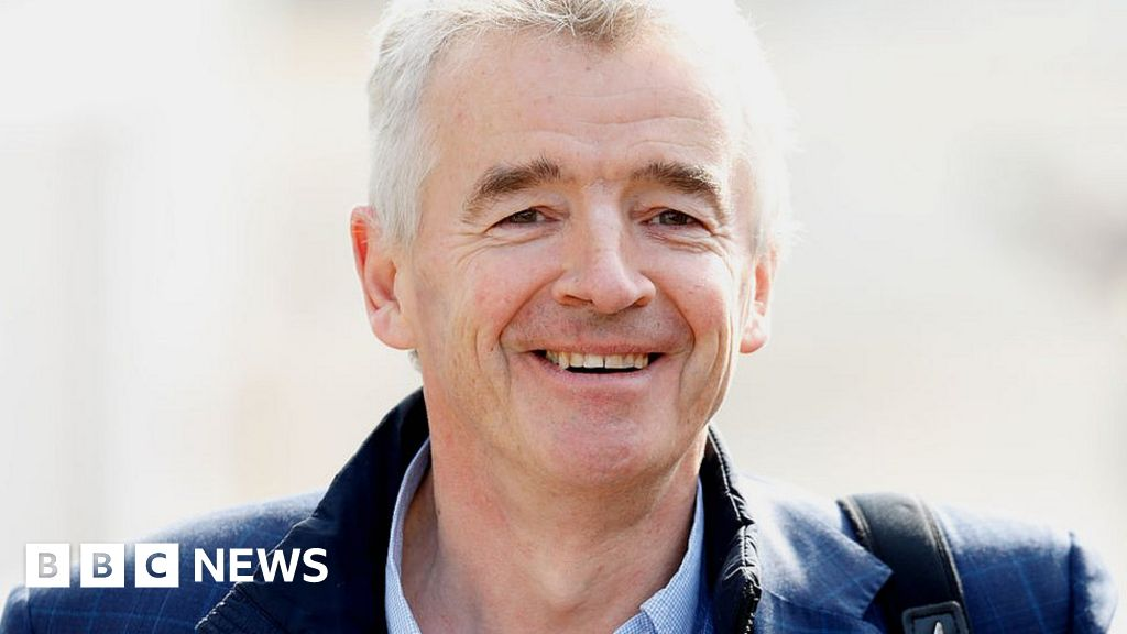 Ryanair boss O'Leary's €99m pay sparks investor revolt