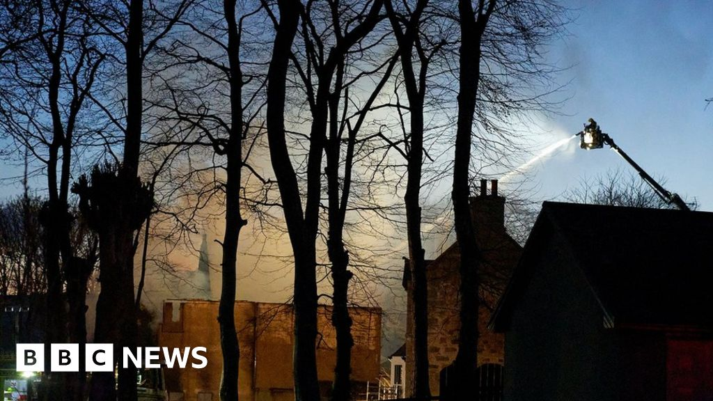 Blaze tears through Oatmeal of Alford mill in Aberdeenshire thumbnail