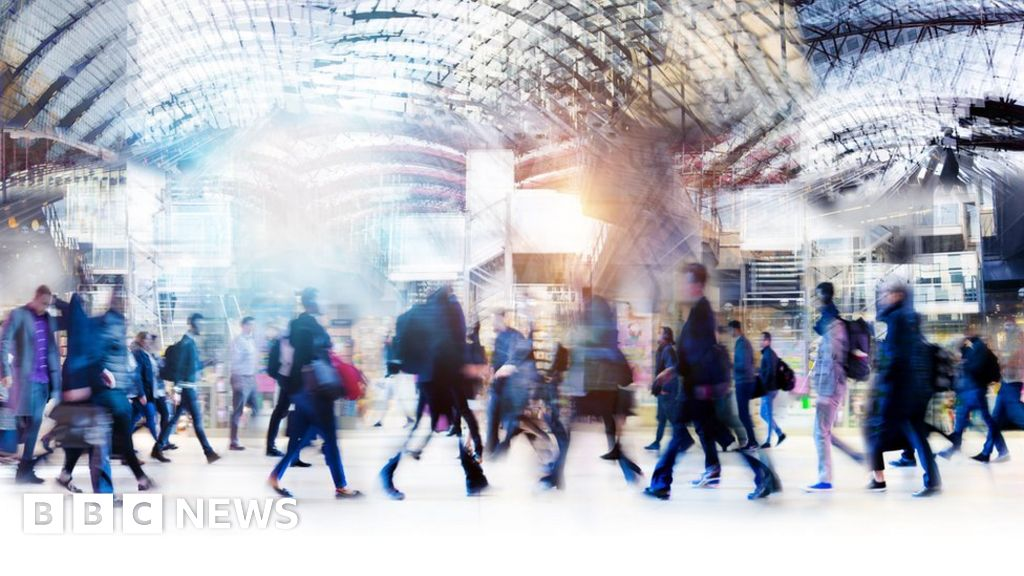 Slow walking at 45 'a sign of faster ageing' - BBC News thumbnail