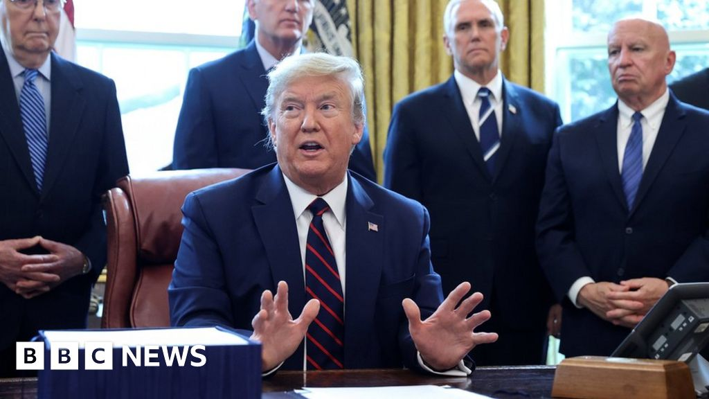 Coronavirus: Trump orders General Motors to make ventilators - BBC News