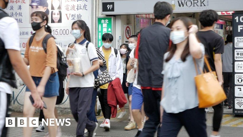 Coronavirus: How map hacks and buttocks helped Taiwan fight Covid-19