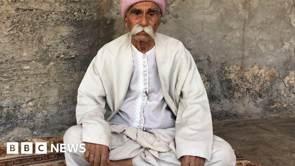 Iraq's minorities fear for their future - BBC News