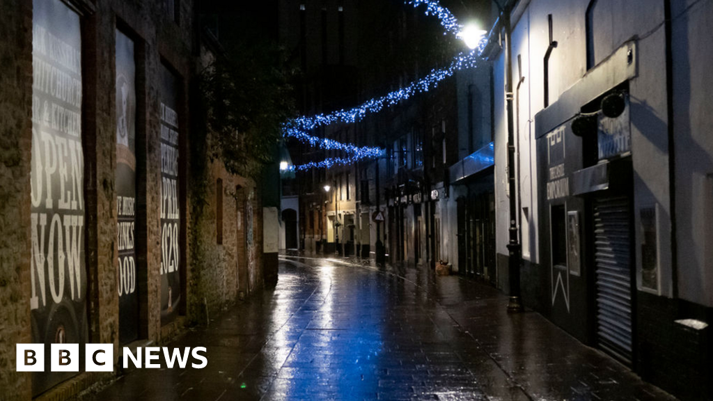 Covid: Wales locks down as Christmas plans cut