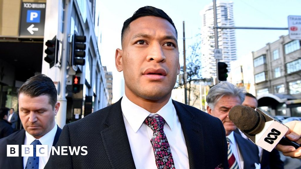 Sacked rugby player Folau sues over anti-gay row thumbnail