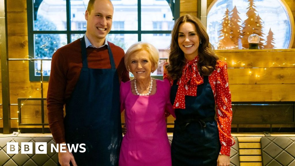 Prince Louis: Earliest words inspired by TV cook Mary Berry thumbnail