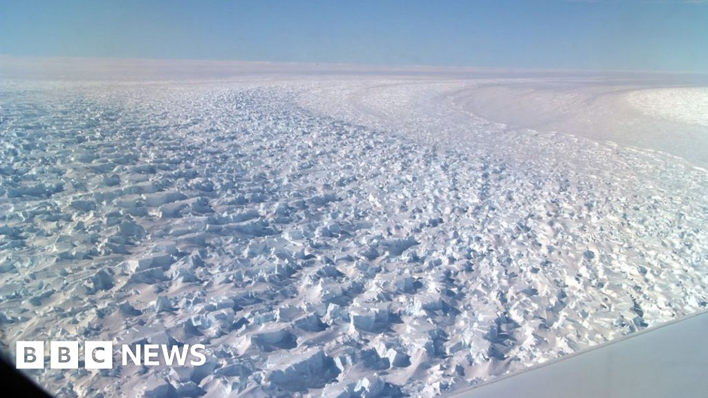 Climate change: Earth's deepest ice canyon vulnerable to melting - BBC News
