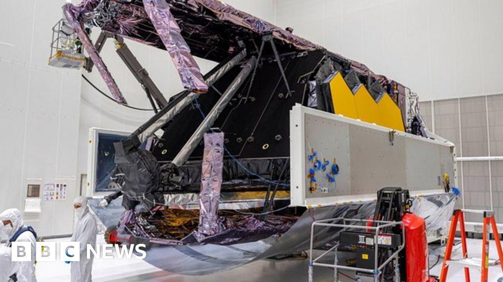 $10bn James Webb Space Telescope unpacked in Kourou – BBC News
