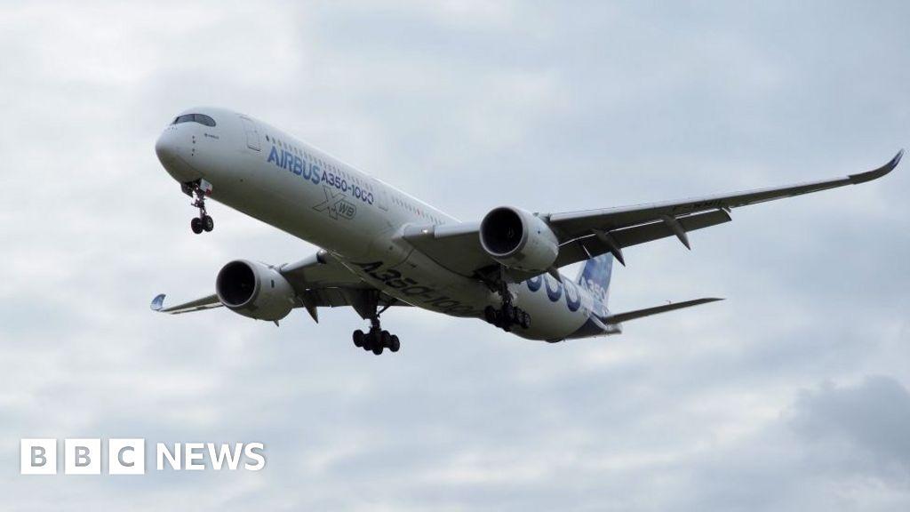 Qantas picks Airbus over Boeing for longest flights