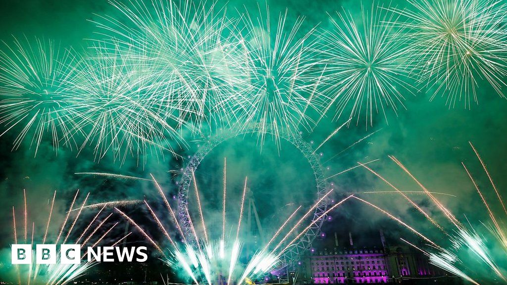 New Year's Eve: London fireworks celebrate start of 2020