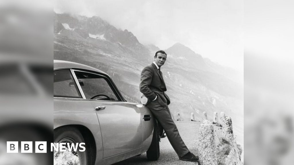 Aston Martin to make 28 James Bond cars