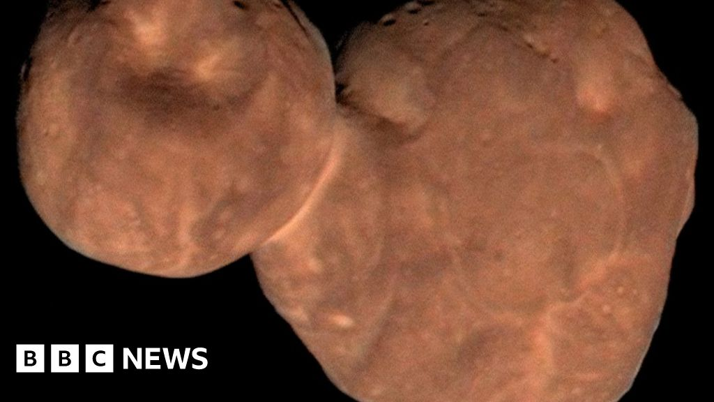 New Horizons spacecraft 'alters theory of planet formation'