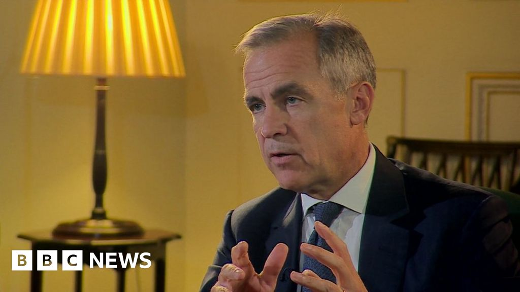 Brexit: Carney makes property crash warning