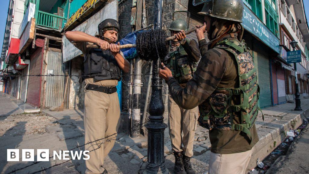 'Even I will pick up a gun': Inside Kashmir's lockdown thumbnail