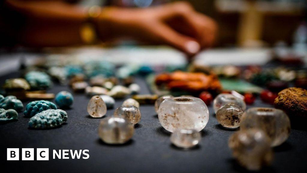 'Sorcerer's treasure trove' found in Pompeii