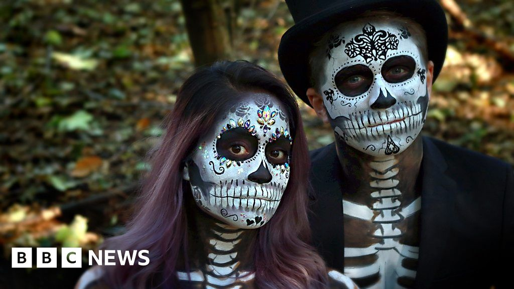 Halloween Day Of The Dead Makeover On Trend   BBC News