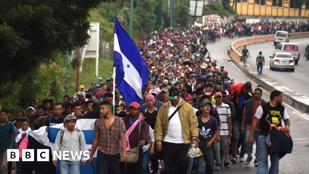 Mexico police sent to meet migrant caravan