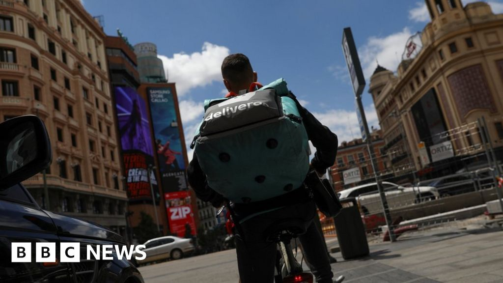 Uber and Deliveroo drivers 'more likely to crash'