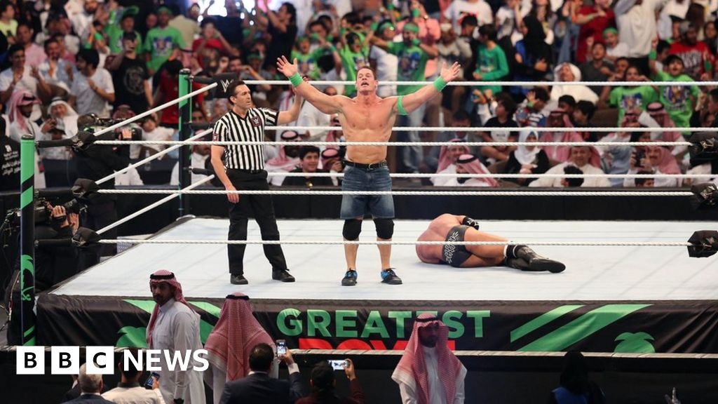 Saudi 'sorry' for airing women wrestlers