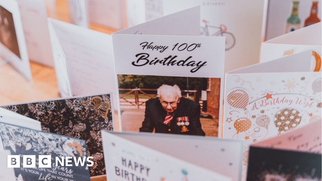 Peachy Captain Tom Moores Birthday Cards Opened By Volunteers Bbc News Funny Birthday Cards Online Alyptdamsfinfo