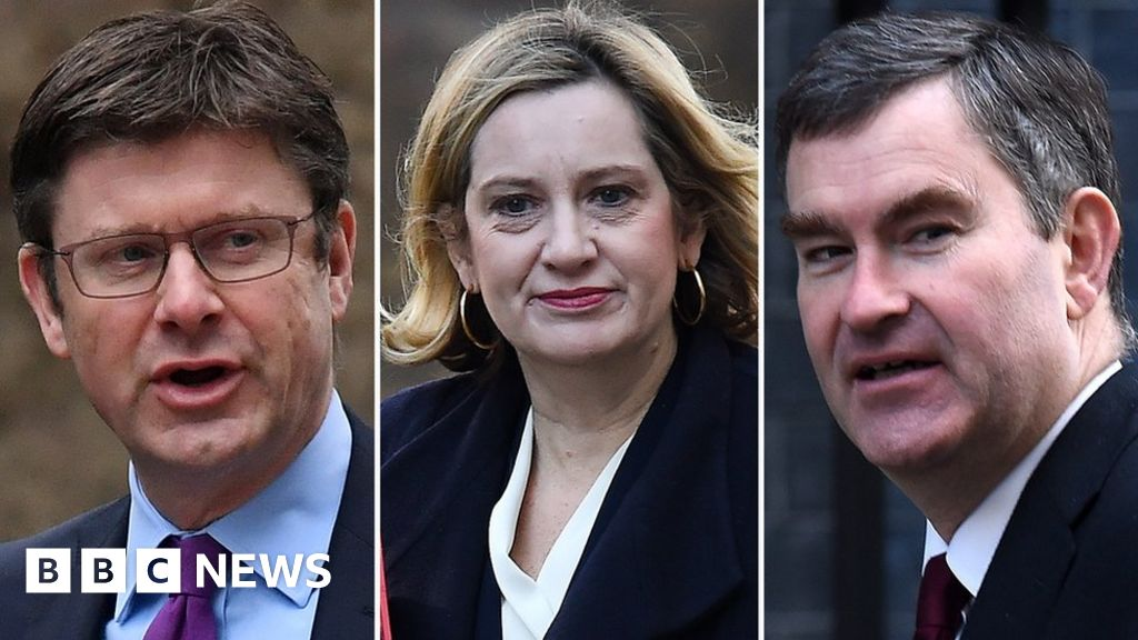 Cabinet trio issue Brexit delay warning