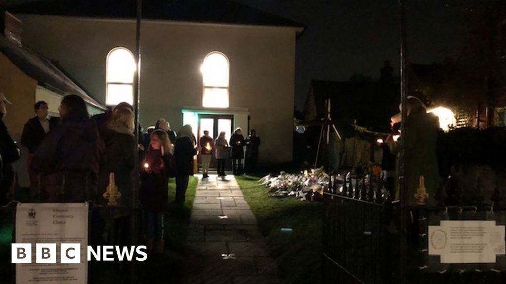 Chinnor crash death family: Village holds candlelit vigil