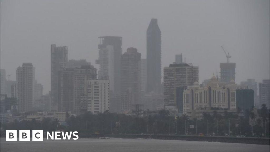 Cyclone Nisarg makes landfall as it heads to Mumbai