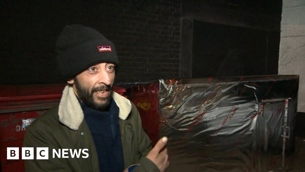 Pods for rough sleepers trialled in Bristol