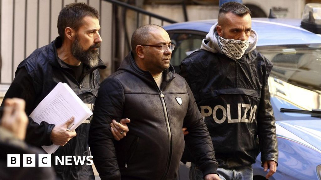 Italian mafia: How crime families went global - BBC News