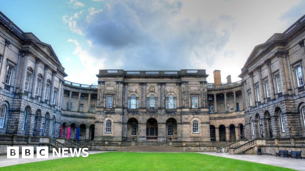 Edinburgh Uni mostly online for rest of academic year
