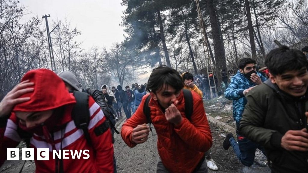 War in Syria: Turkey says that thousands of migrants have crossed to the EU
