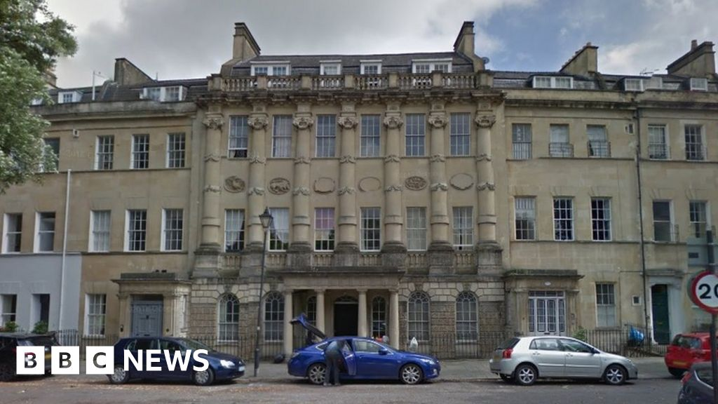 Bath: Building set for £1m revamp to house homeless - BBC News