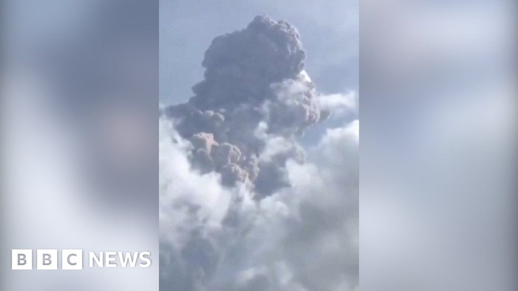 Thousands flee Caribbean volcano