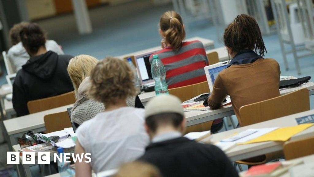 News Daily: Student visa rules change and Labour on Brexit