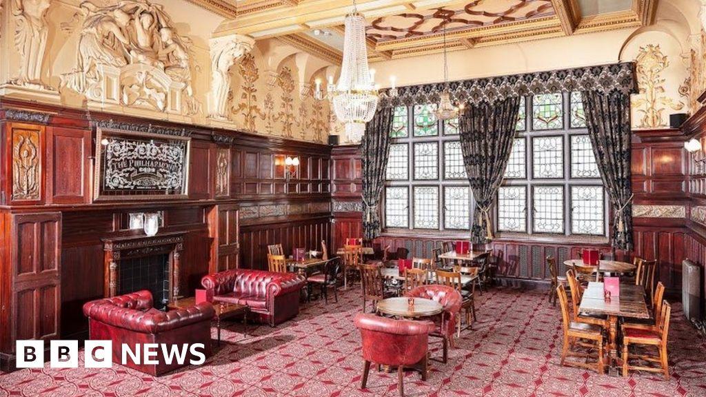 Ornate pub joins Buckingham Palace on Grade I list