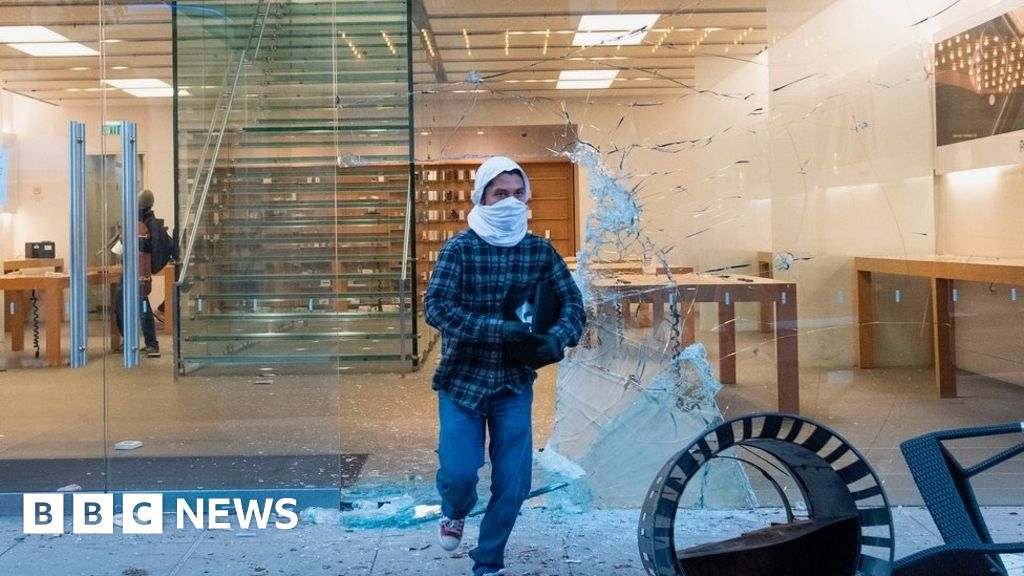 Image of article 'Apple tracks looters who steal iPhones'