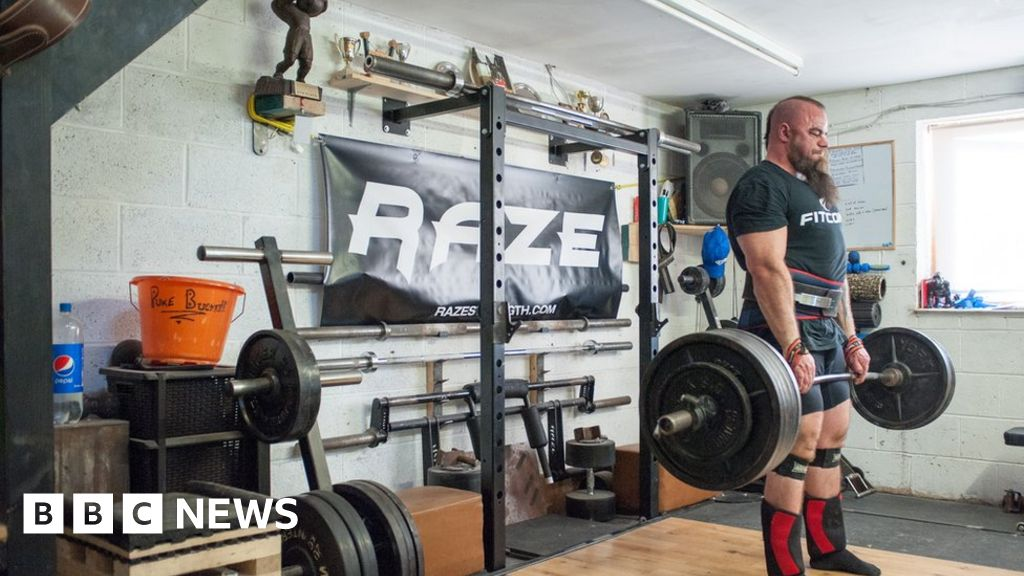 The extreme lifestyle of a strongman