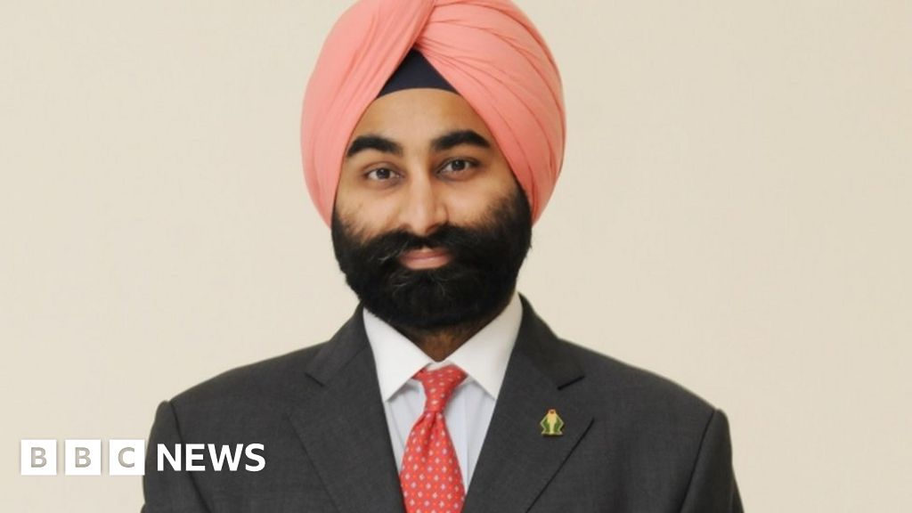India Fortis' Shivinder Singh joins spiritual sect - BBC News