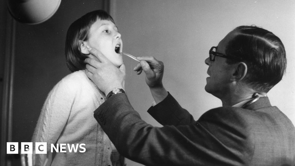 Coughs, colds and old-fashioned curatives - BBC News