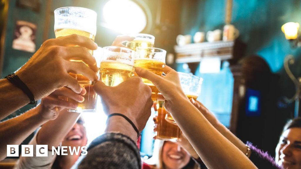 Police target drink spiking after nightclub needle assault