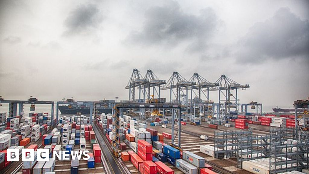 Freight Tetris: Exploring London's hi-tech Gateway port