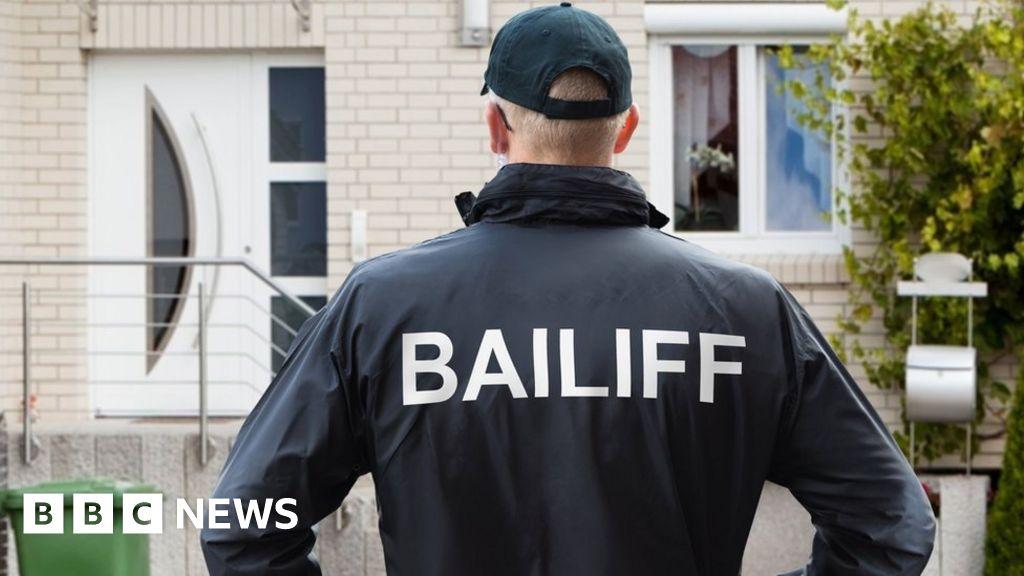 Coronavirus: Bailiffs return but are told not to shout