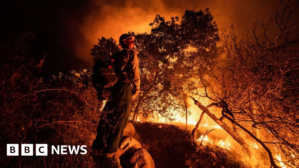 Climate row as Trump visits fire-hit US West Coast