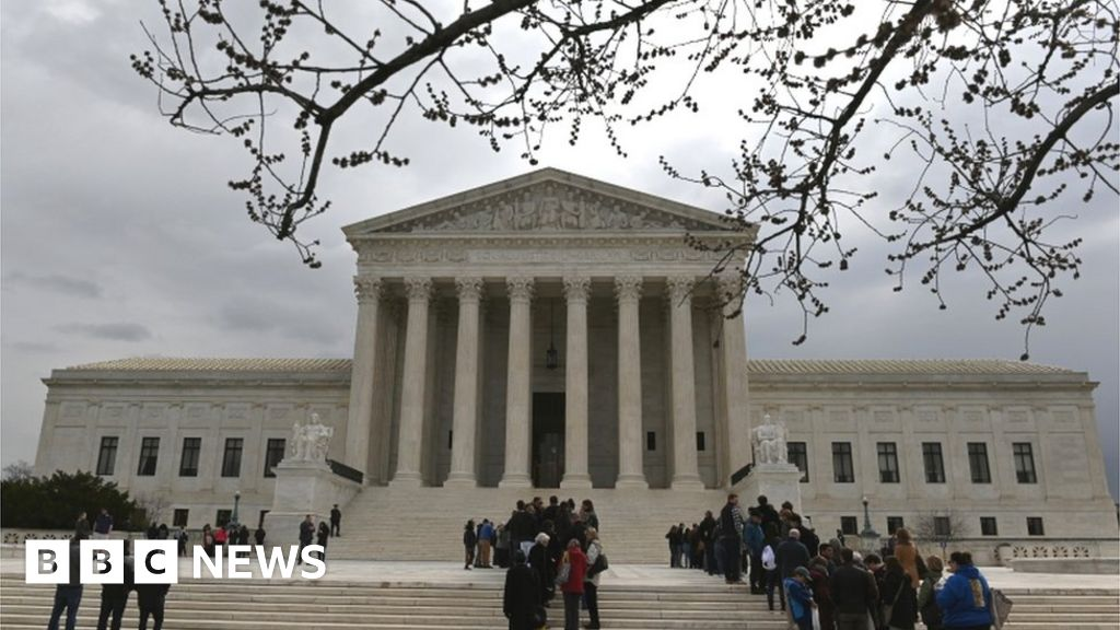 US top court gives Trump immigration win thumbnail