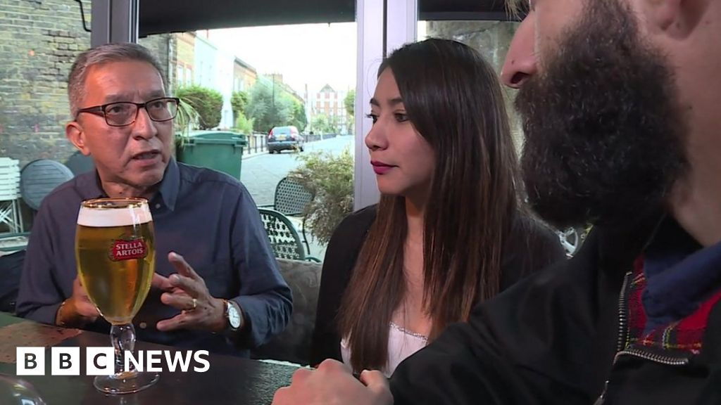 Brexit: Low paid workers join no-deal legal battle