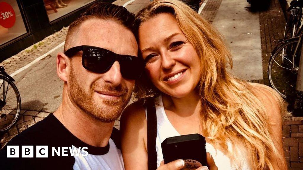 Coronavirus: 'Armed officers' sent to check Cornwall holiday let thumbnail