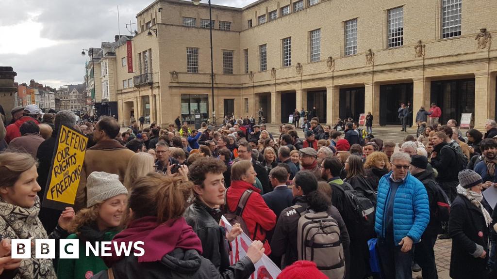 Oxford U-turn over university pension cut strikes