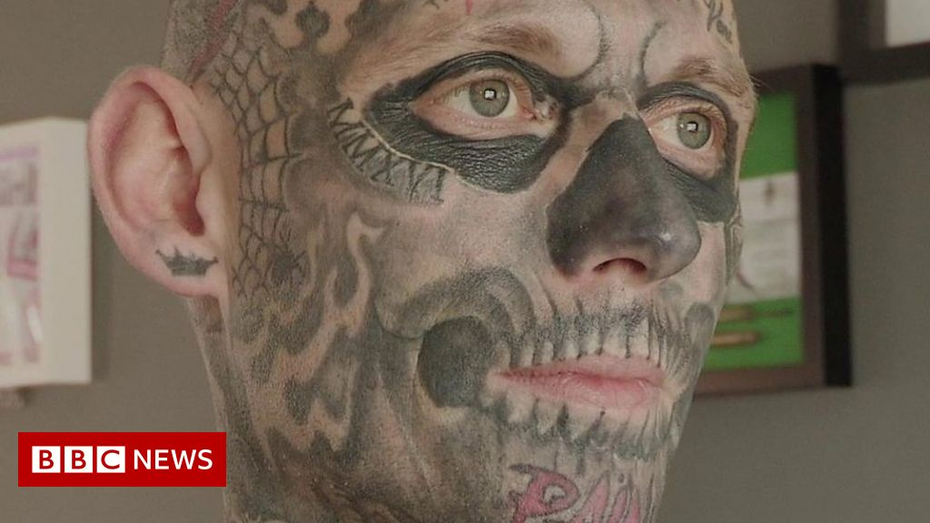 dbcd4f737045b Tattoos: Bangor man 'is addicted' and wants more - BBC News