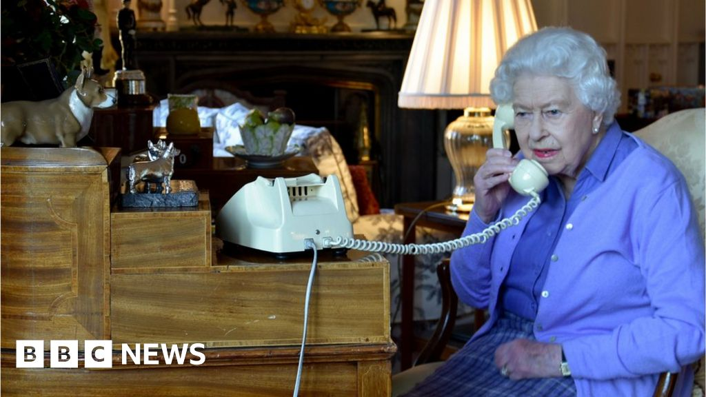 """Headlines: Queen s rousing message of"""" the power of the nation"""