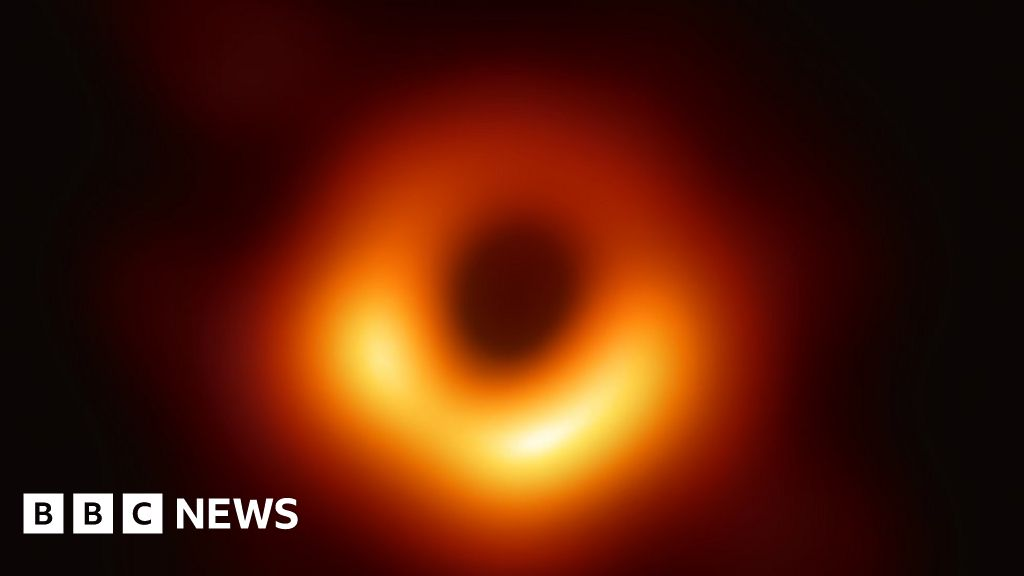 Team plans colour film of black hole at galaxy s centre